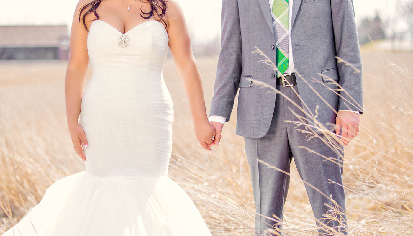 Wedding Photography - Des Moines - Bride and Groom - Field - Modern - Creative